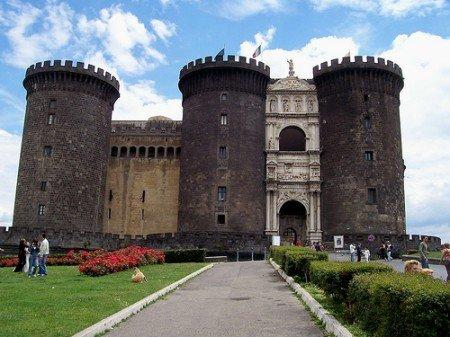 Visitare Napoli, Castel Novo