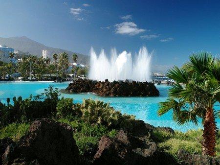 Tenerife - Vista al Teide y fuente