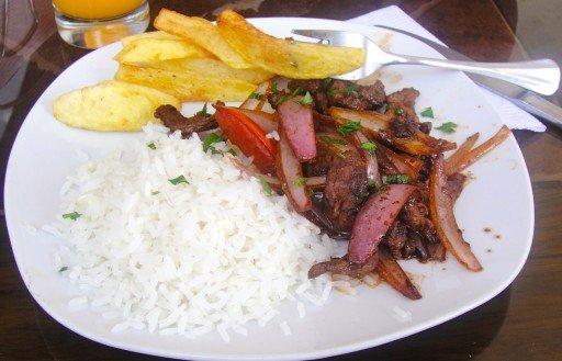 lomo  piatto tipico perù