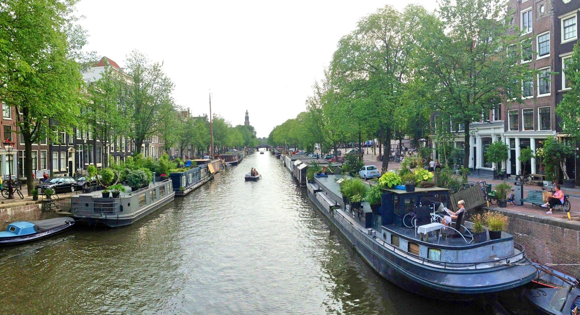 Posti da visitare ad amsterdam blog di viaggi for Case galleggianti amsterdam