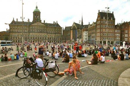 Centro di amsterdam in 10 foto blog di viaggi for Appartamenti piazza dam amsterdam