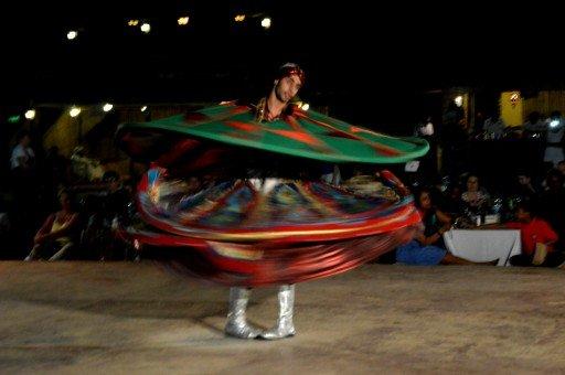 dubai, deserto - danza locale