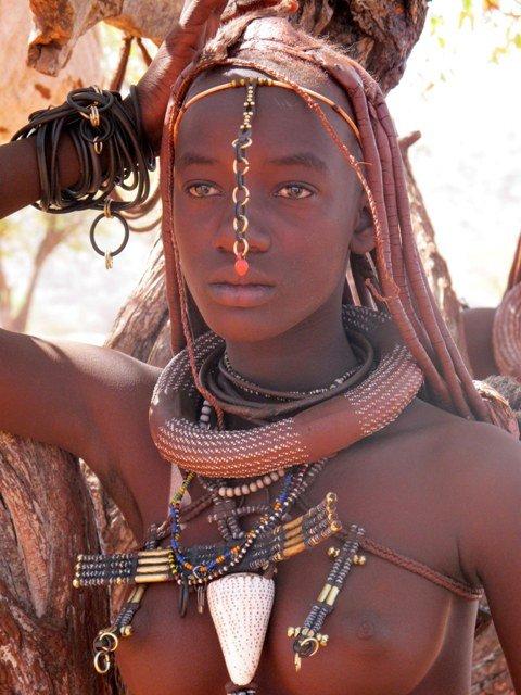 giovane donna himba