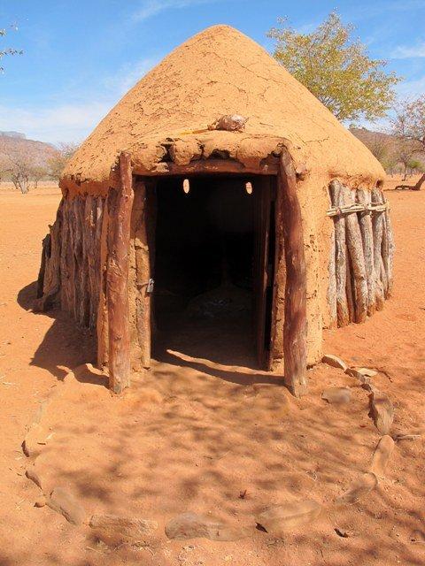 Tipica capanna Himba