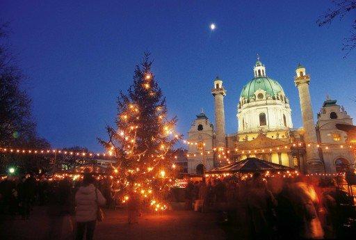 Christmas market©WienTourismus:Günther Ezsöl