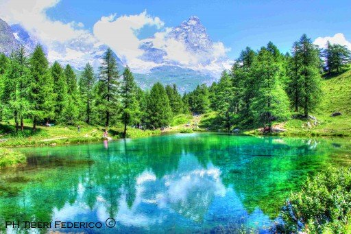 lago blu monte Cervino