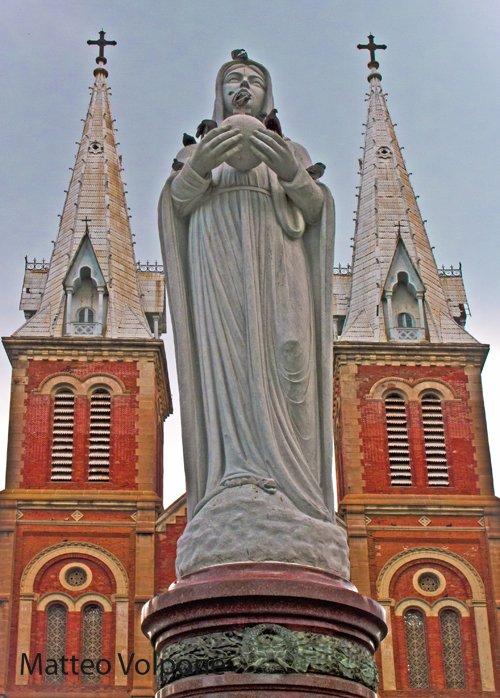 Saigon Notre Dame, Vietnam