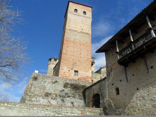 Castello di Serralunga, Langhe