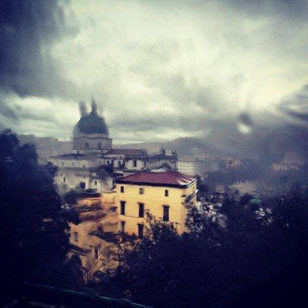 Pioggia su Mapoli