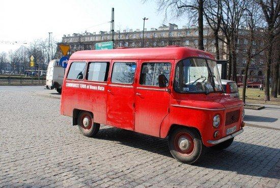 A bordo di un vecchio bus per scoprire la Cracovia comunista