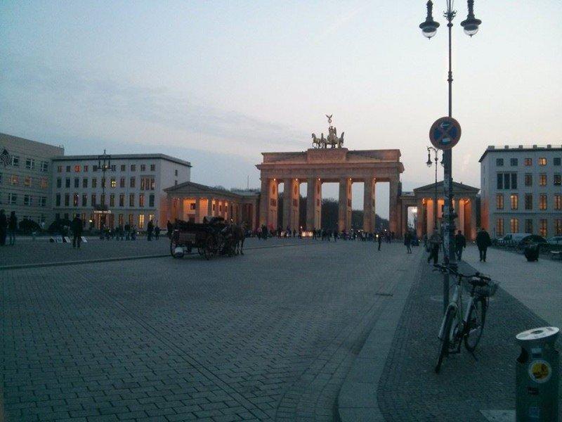5 motivi per visitare berlino blog di viaggi - Berlino porta di magdeburgo ...