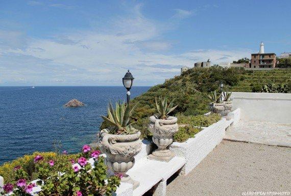 terrazza dell'albergo, isola di Ponza