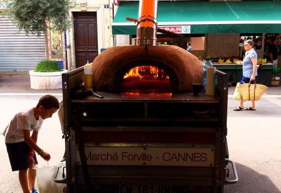 Forno a legna per la socca, Marché Forville