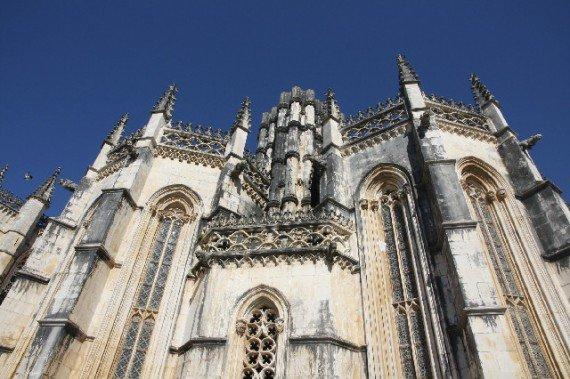 Bathala, viaggio in Portogallo