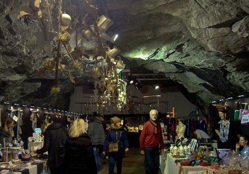 foto 6 mercatino in una vecchia miniera