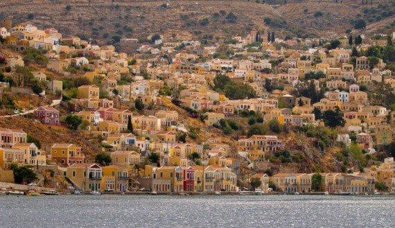 Arrivo a GIalos,  isola grecia