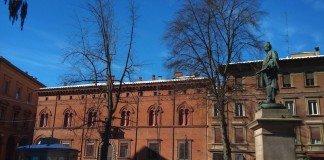 piazza Minghetti-BOLOGNA