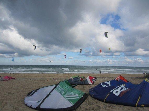 windsurf e kitesurf a torre canne di fasano, puglia