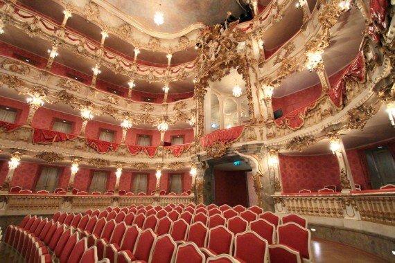 Opera House Parigi shutterstock_158941973