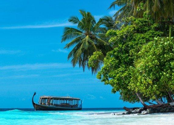 Maldive barca shutterstock_204636571