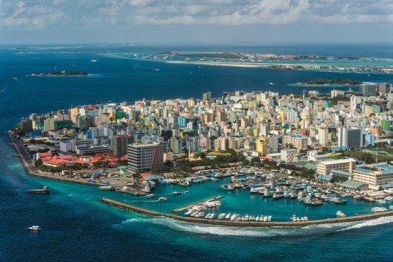 manila maldive shutterstock_159659003