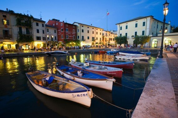 Lazise - Lago di Garda shutterstock_87043988