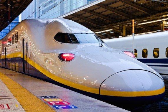 giappone in treno shutterstock_113731543