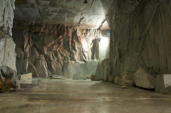 cave di marmo carrara shutterstock_90313858