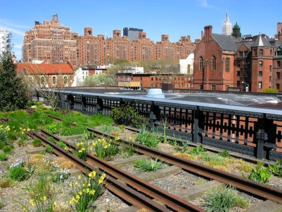 New York, vecchia High Line shutterstock_136637951