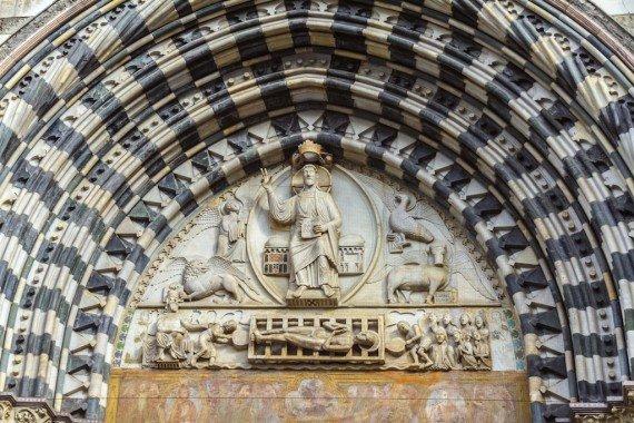 genova chiesa da vedere san lorenzo shutterstock_184082261