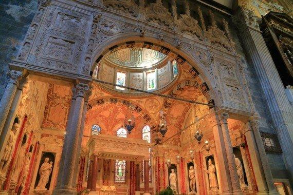 genova chiesa di san lorenzo shutterstock_325828097