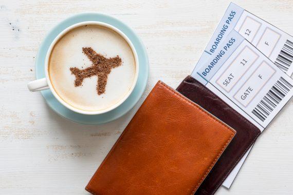 voli e tazzina di caffe