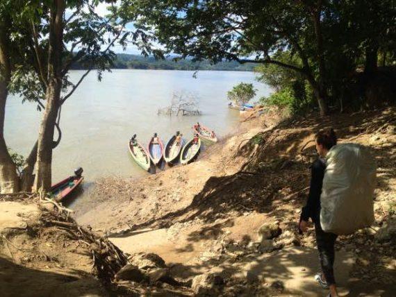 canoe e fiume belize