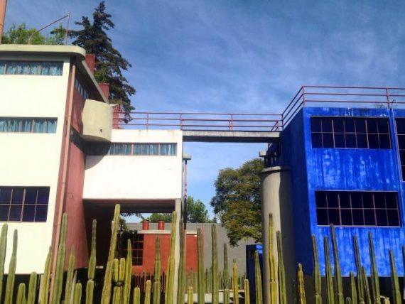 casa-frida-kahlo-e-diego_fotor