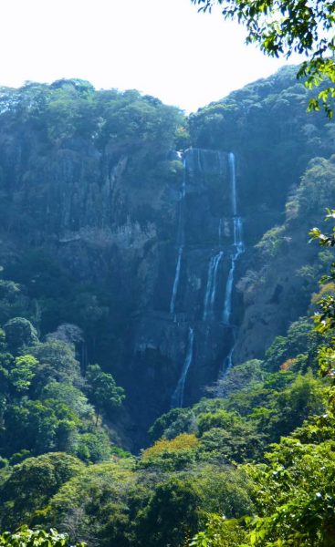 udzungwa-mountains-cascata-sonjo_