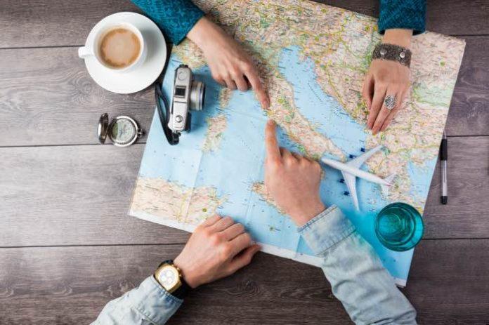 cartina con volo aereo risparmiare viaggiando
