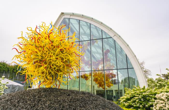 chihuly garden and glass museum seattle foto by shutterstock