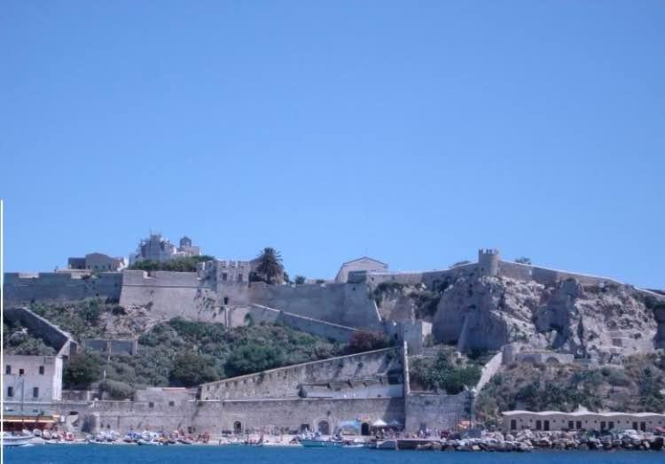 castello dei badiali isole tremiti