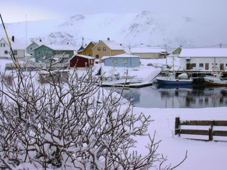 Case barche Soroya paesaggio Norvegia