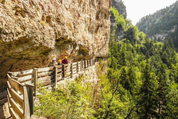 3 Sentiero della Roccia.foto.di.LIeLO.Shutterstock_