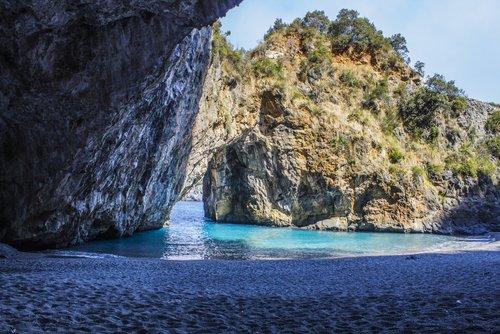 Arco Magno - le spiagge più belle d'Italia- San Nicola Arcella - Calabria di vmedia84 da shutterstock.com