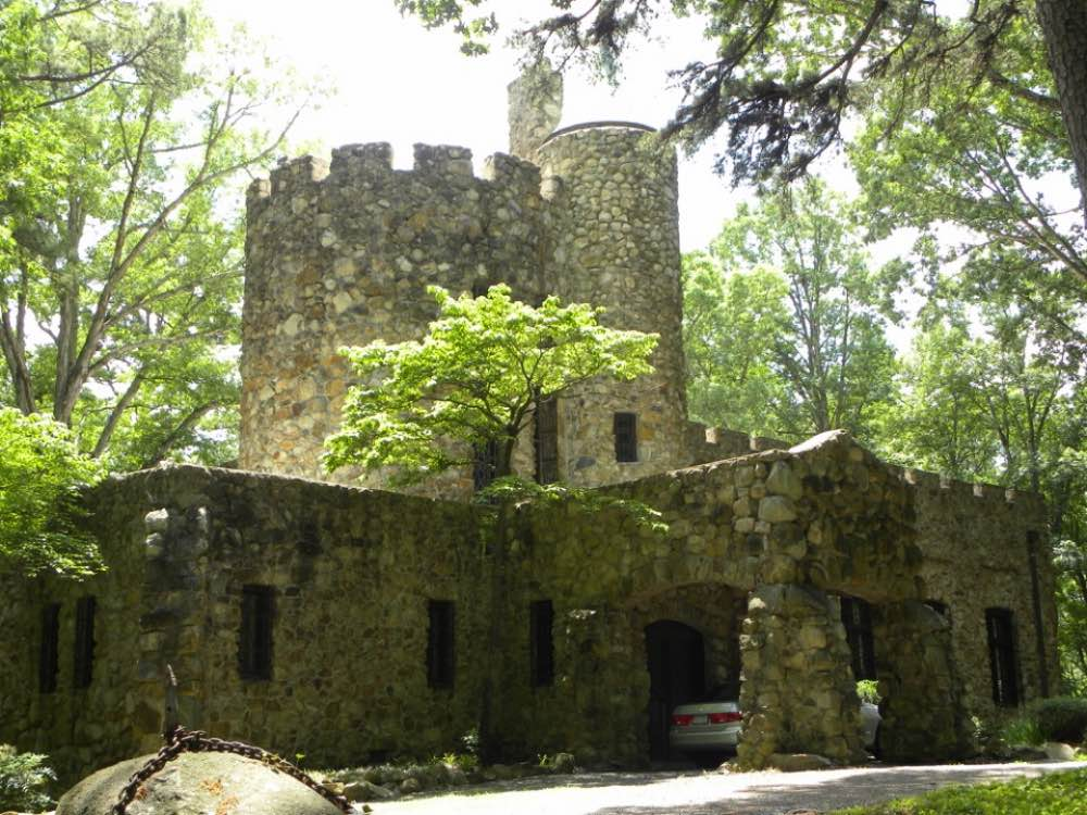 Hippol Castle