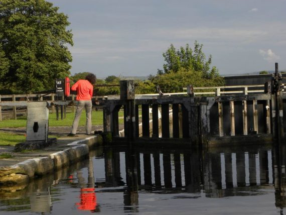 sbarramento canale yorkshire in barca