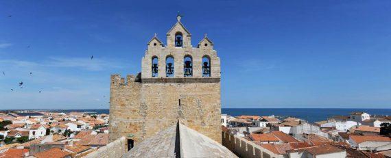 Chiesa a Saintes Maries de la Mer, vista aerea da Shutterstock di Stefano Ember
