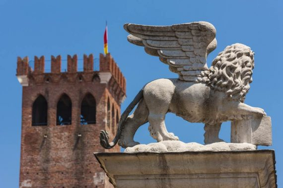 Leone di San Marco a Bassano Del Grappa piazza Liberta