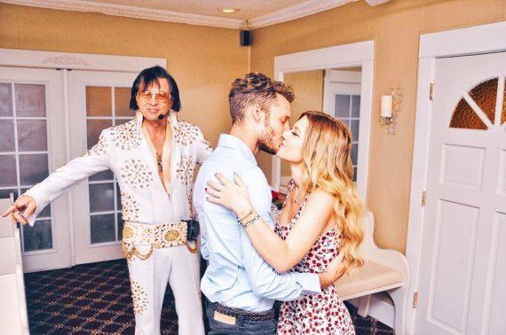 Come sposarsi a Las Vegas foto con Elvis