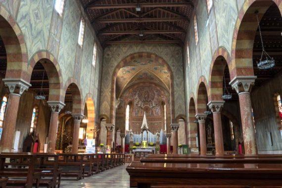 Chiesa-di-San-Mauro-Martire-Oleg-Proskurin-Shutterstock.com