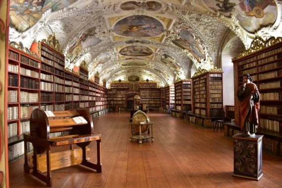 biblioteca cosa vedere a praga